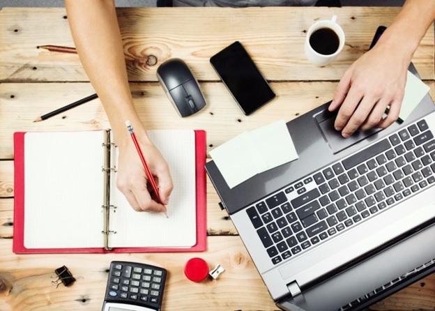 Чтобы понять, как заработать на бирже новичку, необходимо внимательно ознакомиться с темой и получить понятную инструкцию