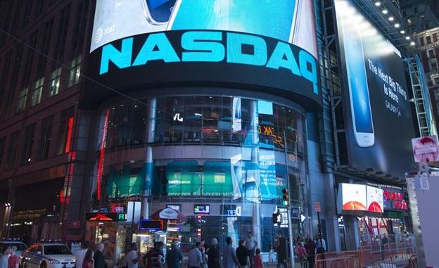Торговая площадка Nasdaq сумела превратиться из обязательной СРО в межконтинентальную биржевую платформу.